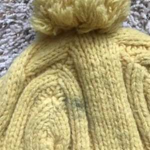 GAP Accessories - Cable Knit Hat with Pom Pom